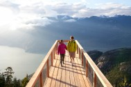 Chief-Overlook-Platform-on-Panorama-Trail---Couple-Walking---2400-x-1600.jpg